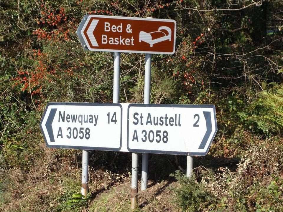 Bed and Basket Tourist sign